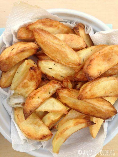 Het recept voor aardappel frieten uit de oven. Gezond, want je gebruikt maar weinig olie.