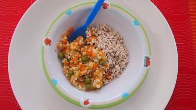 Pšenové rizoto s mrkvou a hráškom, morčacie mäso