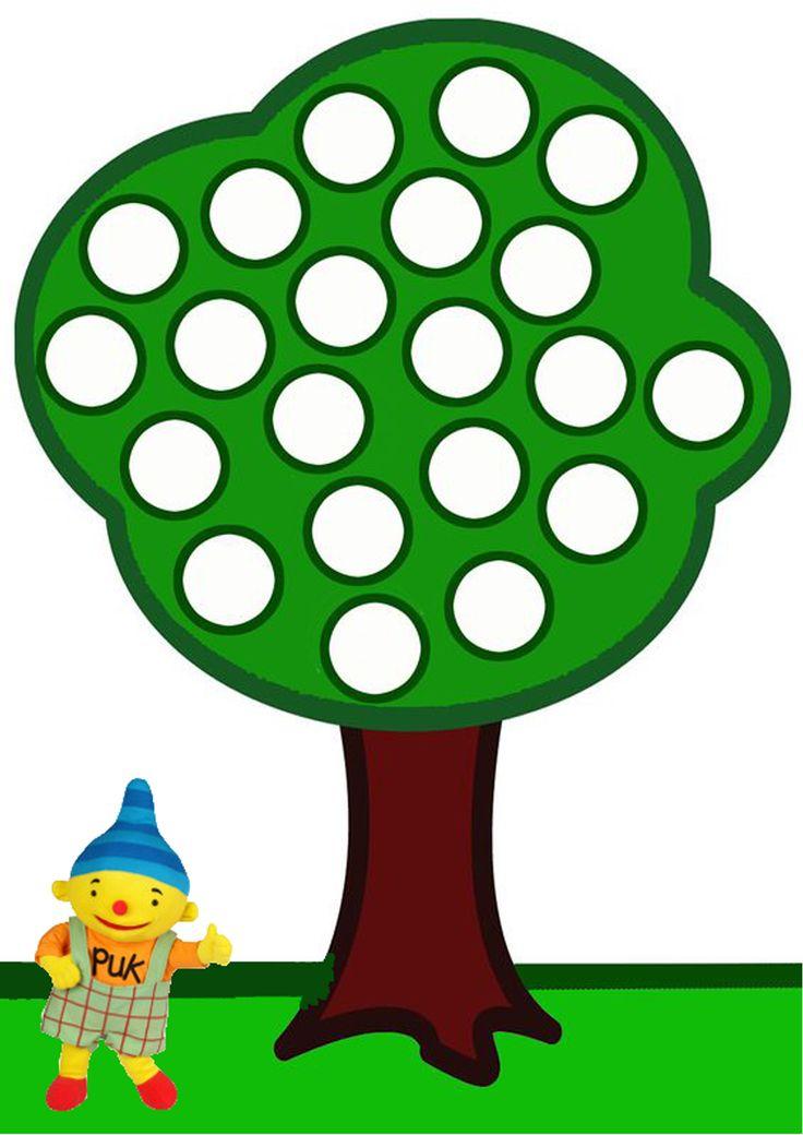 laat de peuters de appels maken van de klei