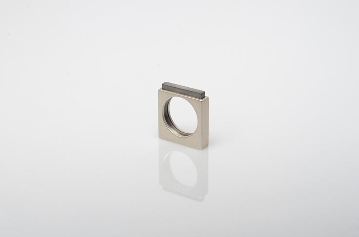 prsten MATKA (stříbro) a DÍTĚ (titan) - oba díly volně oddělitelné