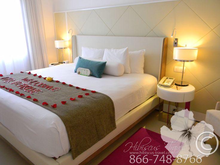 Master bedroom of 2 Bedroom Oceanfront Suite