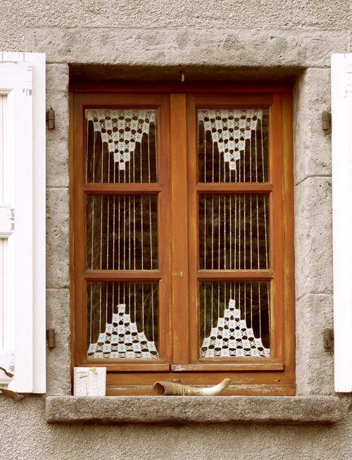 Les 95 meilleures images propos de rideau crochet sur for Decoration bordure fenetre
