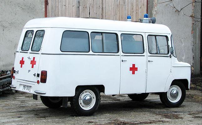 régi mentőautó