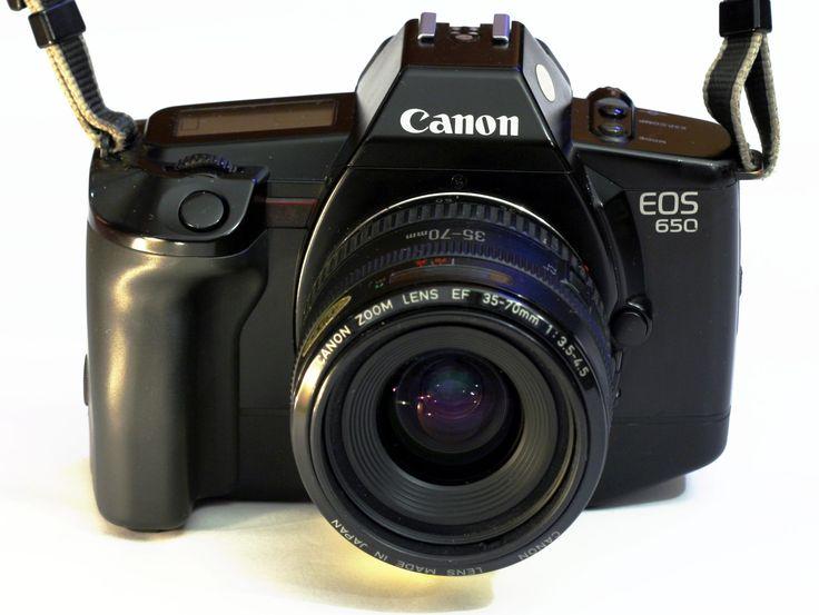 N°1: L'EOS 650 a été le premier Canon Eos argentique ; il a été commercialisé en Mars 1987.