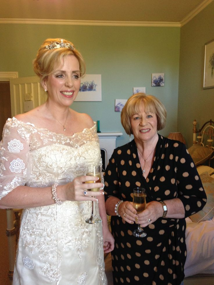 """A glass of fizz before """"I do!""""with Mother of the Bride."""