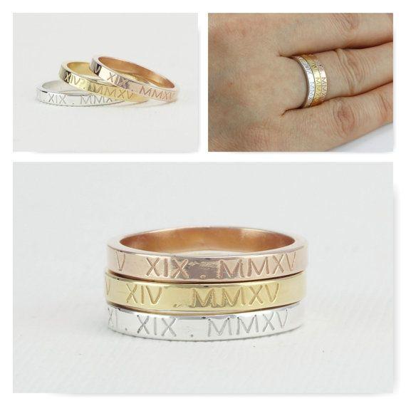 Römische Ziffer Ring, personalisierte Ring, Datum Ring, personalisierte Datum Ring, benutzerdefinierte römische Ziffer Ring, zierliche Datum Ring, Speicher-Ring, Ring erinnern    LESEN *** Wenn SIE GRAVIERTE auswählen innen und außen bitte OPTION IN & außerhalb  nennen Sie Ring / erste Ring / personalisierte Namen Schmuck / Lage Ring   D E T A I L S  -Material: 925 Sterling silber (Vermeil gold plattiert, rose vergoldet über Sterling silber) -Band Breite: 3 mm -Dicke: 1,3 m...