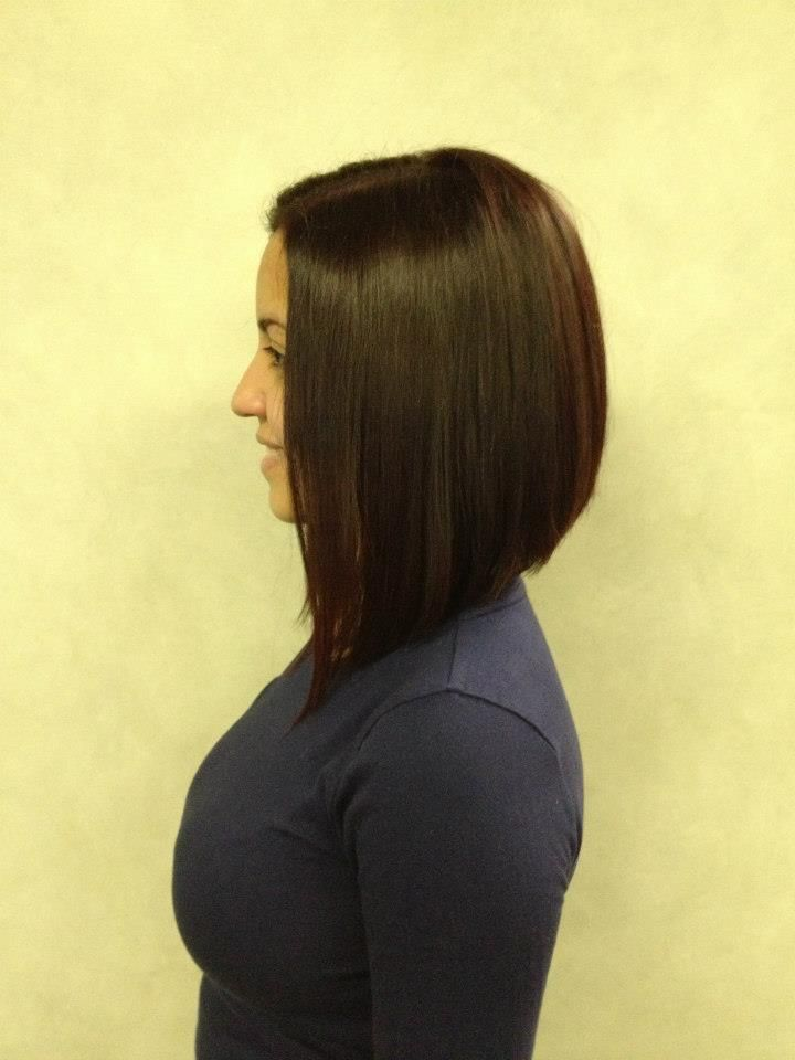 Graduated long bob. Side view.