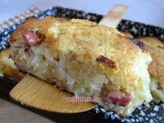 Weißkraut mit Speck und geriebenen Kartoffeln.