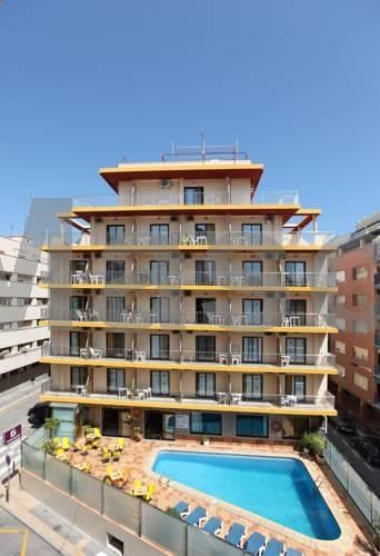 Hotel Brasil Benidorm Hotel Brasil is located in central Benidorm, 400 metres from Poniente Beach. There is an outdoor pool, and all air-conditioned rooms have a private balcony, laptop safe and a flat-screen TV.