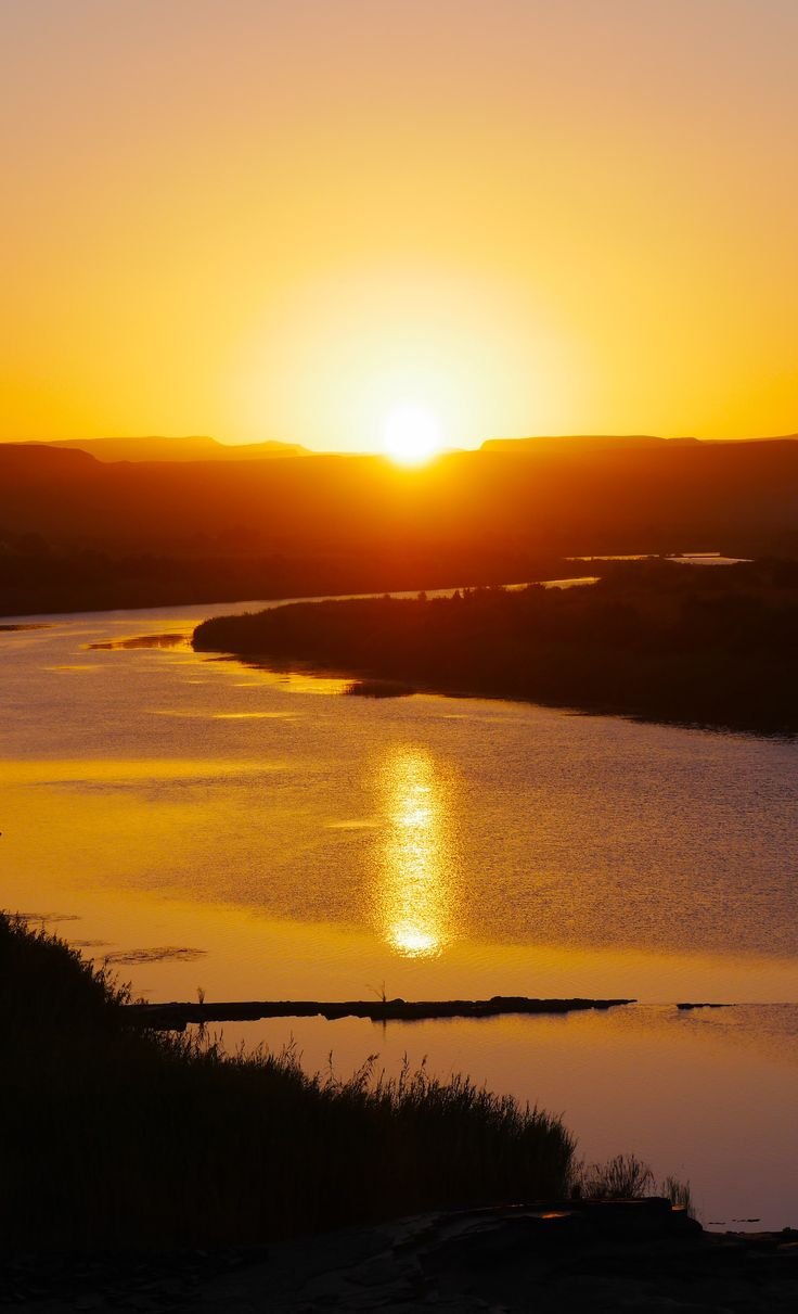 Stunning #river #sunset at Noordoewer #Namibia