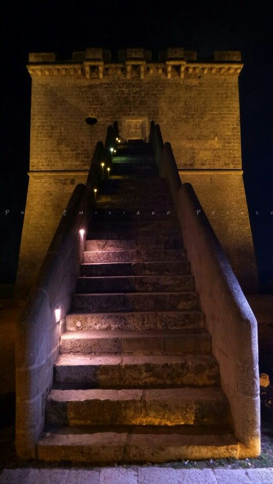 TORRE LAPILLO (LE) BY NIGHT