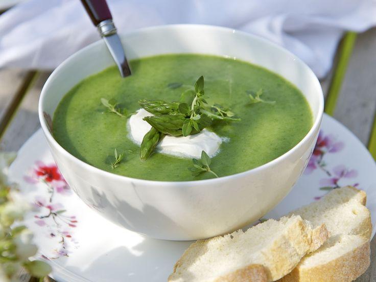 Brennessel-Spargel-Suppe - smarter - Zeit: 30 Min. | eatsmarter.de