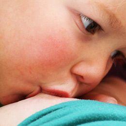 Ok 2,5 roku naturalnego karmienia to minimum, aby dziecko odniosło największe korzyści...
