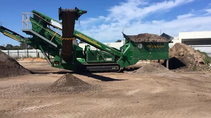 Our MGS McCloskey Screen Machine is BACK in action!! Blending and screening premium grade sandy loam. Call us on 5978 8700 to organize delivery. #soil #screening #mccloskey #dream #machine #topsoil #blend #dirt #trucks #loader #premium #backyard #yardwork #garden #gardening #landscape #landscaping #outdoors #lawn #turf #morningtonpeninsula #morningtongardensupplies #backinaction