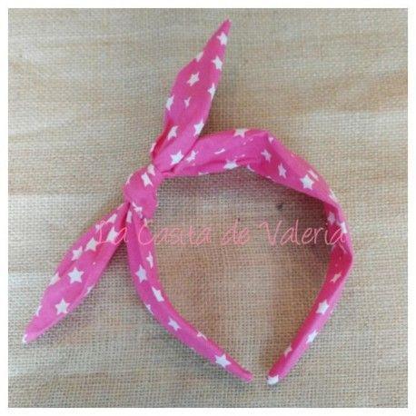 Pañoleta Pin Up pero en diadema!!! de La Casita de Valeria. Para que te sujete bien y queda igual que un pañuelo.