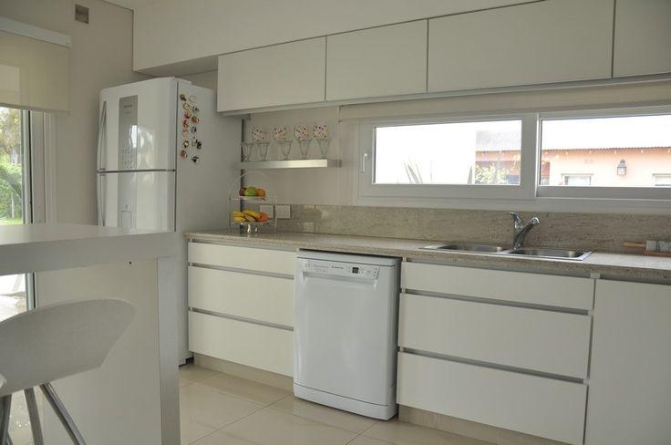 Mueble de cocina en melamina blanca lesar amoblamientos - Muebles de cocina modulares ...