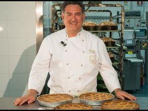 Pastiera di grano alla Napoletana Ecco la ricetta di Sal De Riso della pastiera di grano. Sal De Riso e le pastiere. Pastiera di grano napoletana di Sal De Riso da preparare a casa