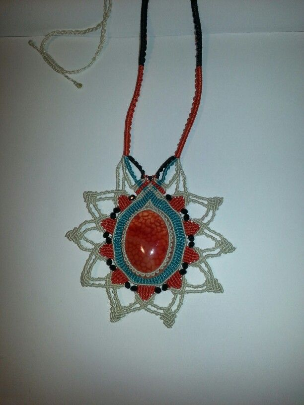 Macrame necklace with agate stone
