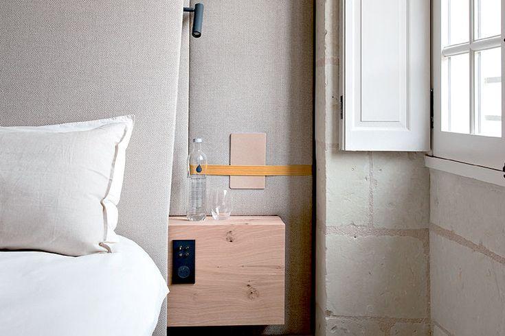Hotel overnachting in de luxueuze Fontevraud Abdij in de Loire vallei in Frankrijk. Bijzondere interieur styling en meubel ontwerpen op een hele bijzondere plek - More hotel interior inspiration on Dutch weblog http://www.stylingblog.nl