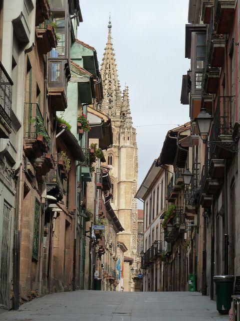 Oviedo, Spain. Looks a lot like San Sebastian. Asturias. Pineado por Social Izan, agencia de Marketing Digital y Posicionamiento Web en Asturias. Especialistas en presencia Online y Marketing Social