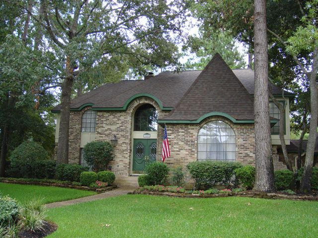 Kingwood Home Roofed With Teak Owens Corning 174 Duration