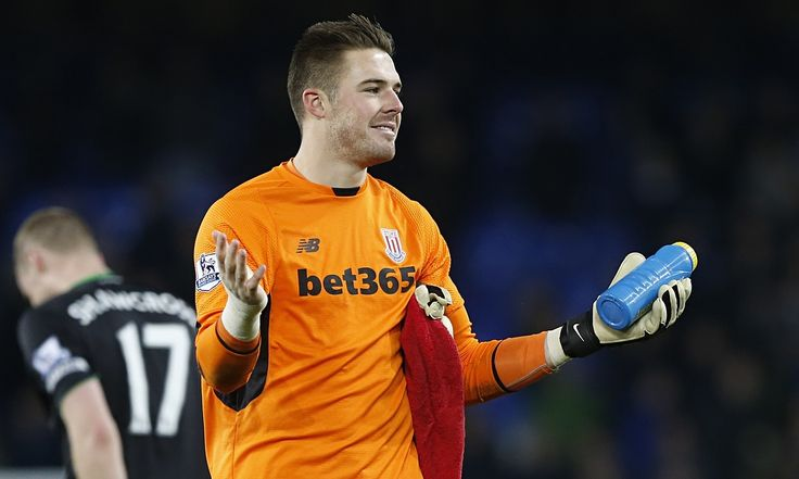 The Stoke City goalkeeper Jack Butland has given £5,000 to Great Britain's women's deaf football team to enable them to take part in the Deaf World Cup in Italy
