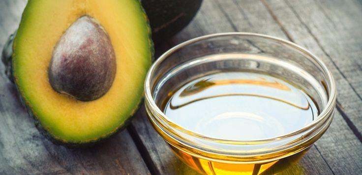 L'olio di avocado, ricavato dal famoso frutto tropicale, è un valido sostituto vegetale del più comune olio di oliva in cucina ma non solo, può anche essere utilizzato in molti trattamenti di bellezza. Questo olio è infatti ricco di nutrienti: ma quali sono tutte le proprietà dell'olio di avocado? Innanzitutto, l'olio di avocado possiede un'alta concentrazione  … Continued