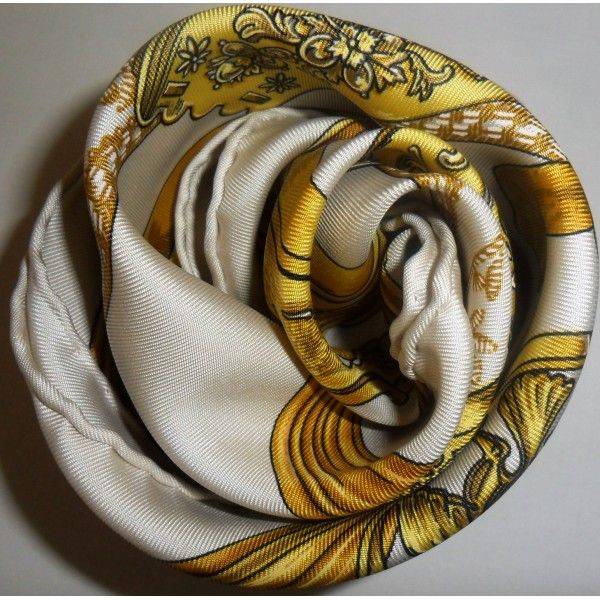 963709eb771a Épinglé sur Hermès scarves