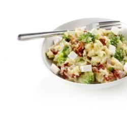Broccolistamppot met ham, tomaat en feta - Brocolli met 50% korting!