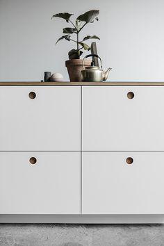 die besten 25 neue k chenfronten ideen auf pinterest k chenfronten fenster ber sp le und. Black Bedroom Furniture Sets. Home Design Ideas