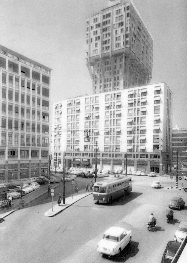 Torre velasca. Anni 60