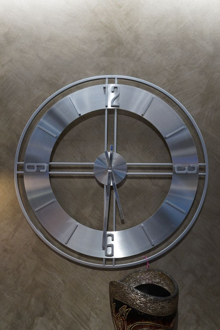 Exceptional Stylish Brushed Metal Contemporary Wall Clock.