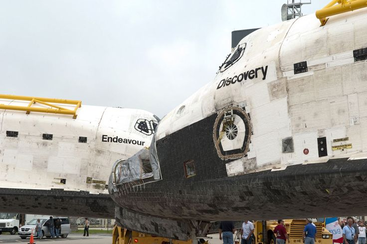S L I D T! Tak for turen. Discovery og Endeavour 11. august 2011