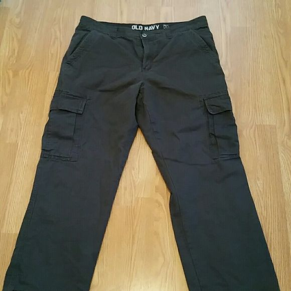 Men's Old Navy cargo pants Charcoal gray cargos with flannel lining Old Navy Pants