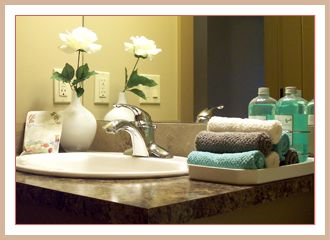 best 20 bathroom staging ideas on pinterest spa bathroom decor guest bathroom decorating and bathroom counter decor - Staging A Bathroom