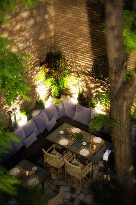 garden lighting for alfresco dining