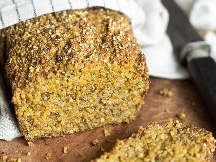 Ein Powerbrot, das allen schmeckt. Denn - dieses köstliche Quinoa-Chia-Brot ist frei von Gluten, tierischen Produkten und Zucker.