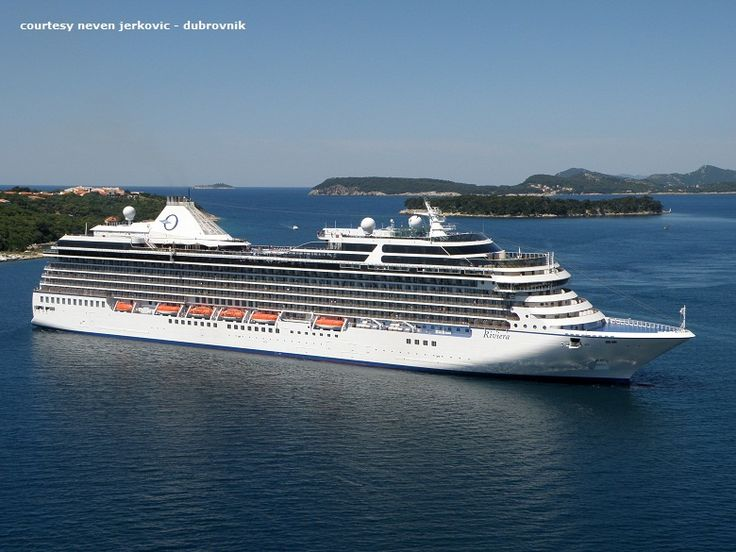 RIVIERA (at Dubrovnik). Ιδιοκτησία: Oceania - Cruises Inc. - USA. (a Presige Cruise Holdings Comp.) : Oceania Cruises. Παρθενικό ταξίδι στην Αθήνα στις 16/05/2012. 66.172 GT ~ 239,30 μ.μ. ~ 32,19 μ.πλάτος ~ 11 κατ/τα ~ 20 ~ 21,5 knots ~ 1.250 ~ 1.258 επ. ~  800 ατ.πλ.