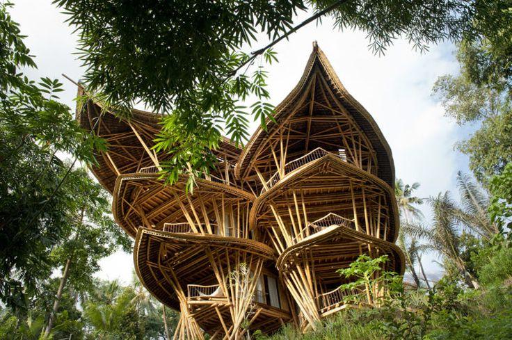 Magični bambus. Čarobna kuća kao iz bajke, skoro sve je napravljeno od bambusa.