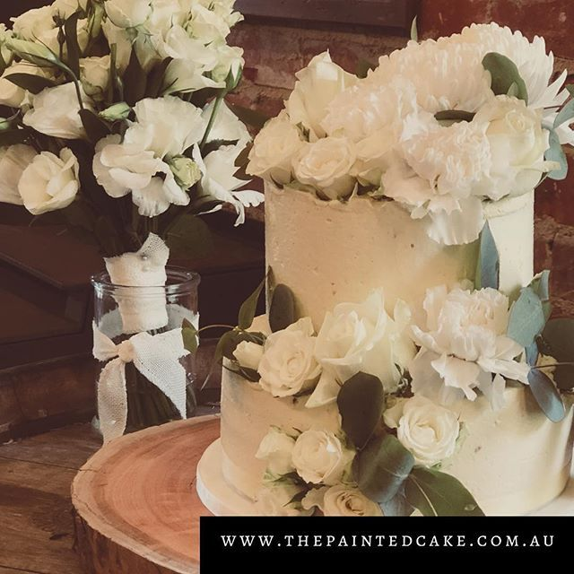 I had the absolute honour of making my cousin's wedding cake.  @whitehillestate @georgii_howlett @isabelledixon #buttercream #naturalcake #floralweddingcake #cakedecorating #mclarenvalewedding #cakesofinstagram #adelaide #cakemaking #yummy #greatcakes #raspberrysauce #anyleftovers #sotasty