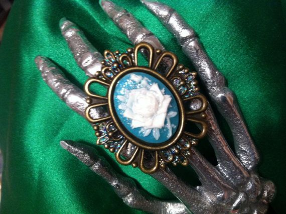 Vintage Romance WHITE ROSE Cameo RING Lined with Cashmere one size on Etsy, $10.42