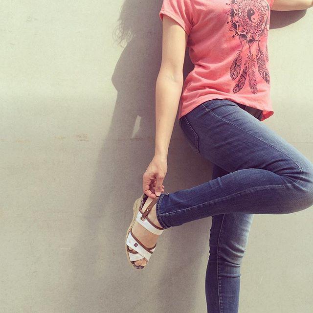 WEBSTA @ atelstyle - #buenosdías chicas. Disfrutad del martes!#style #moda #estilpropi #fashion #personalstyle #woman #streetstyle #instafashion #outfit #hlook #lookoftheday #igersfashion #fashionadict #fashionista #trendy #totallook #itgirl