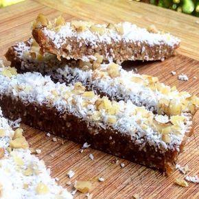 QUEQUE DE ZANAHORIA (carrot cake) crudivegana sinAzucar singluten  Ingredientes: 1 taza de almendras o nueces 1/2 taza de pasas d...