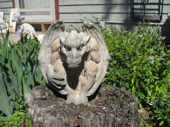 Hey, I found this really awesome Etsy listing at https://www.etsy.com/listing/129143838/dragon-gargoyle-statue
