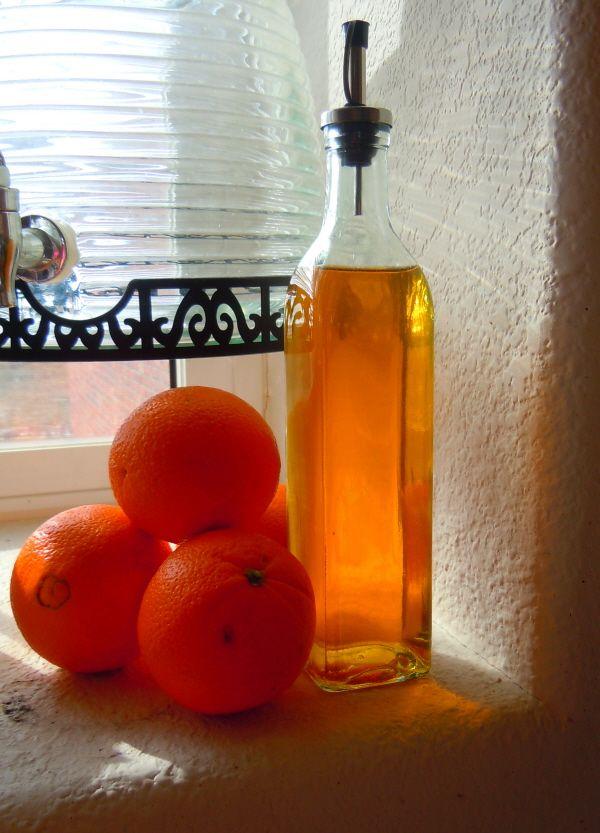 Сногсшибательный запах и поразительная чистота в доме: апельсиновый уксус