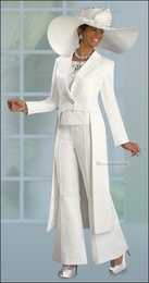 Ladies Sharp And Elegant Off White Pant Suit From Donna