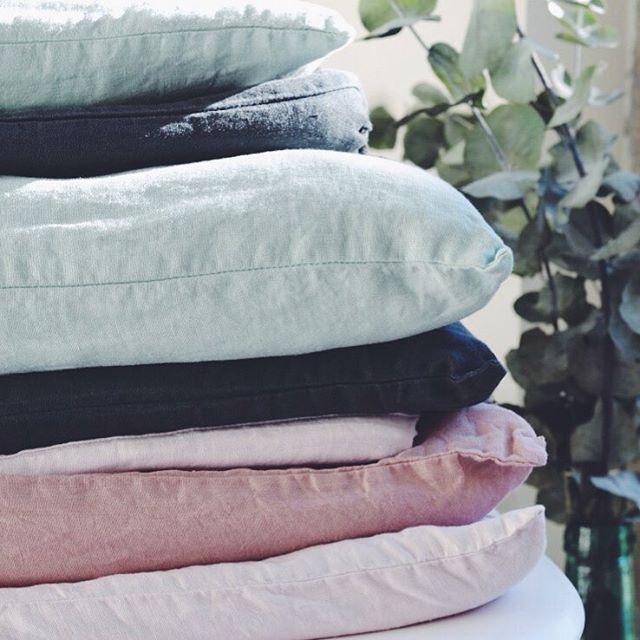 les 12 meilleures images du tableau lin lav baralinge sur pinterest lin lav coussins et. Black Bedroom Furniture Sets. Home Design Ideas
