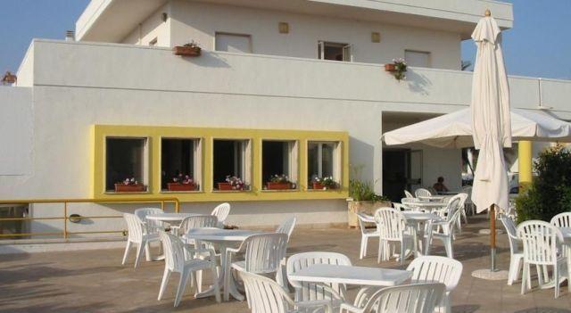 Hotel Albatros - 3 Star #Hotel - $95 - #Hotels #Italy #MorcianodiLeuca http://www.justigo.club/hotels/italy/morciano-di-leuca/albatros-morciano-di-leuca_118644.html