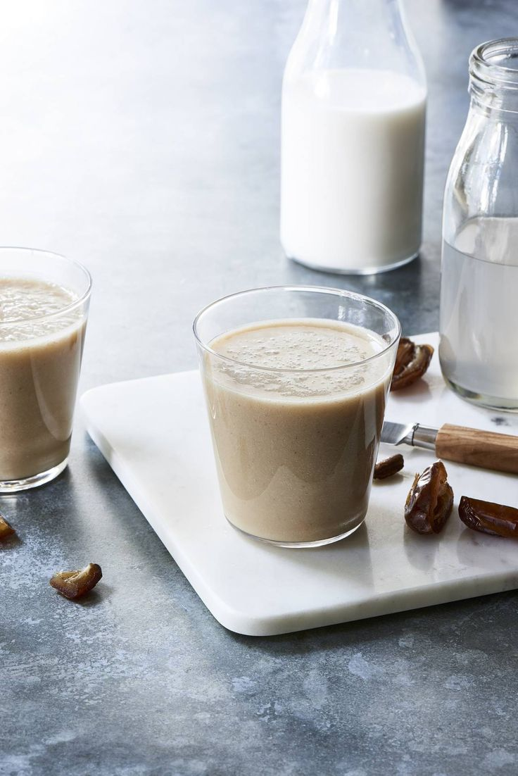 Creamy Coconut Date Shake - Make a date with this raw vegan shake and you will not be disappointed! It is to die for!