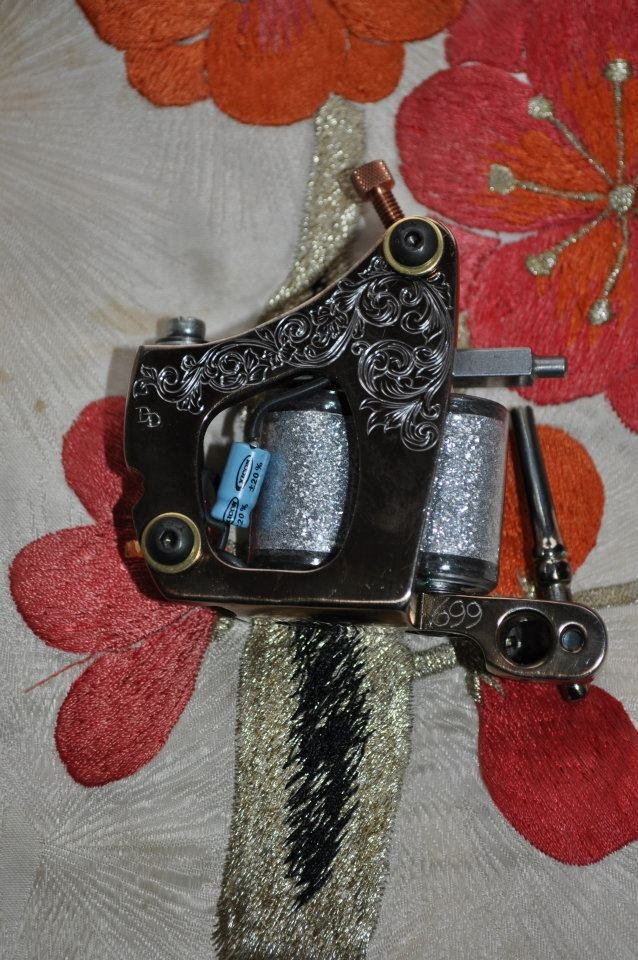 Dan Dringenberg is making the best tattoo machines, for sale in our shop in the museum http://www.amsterdamtattoomuseum.com/